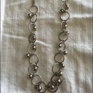 Jewelry - Silver bead & circle necklace